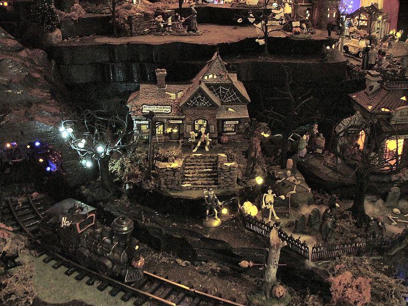 Department 56 - Halloween Village Display