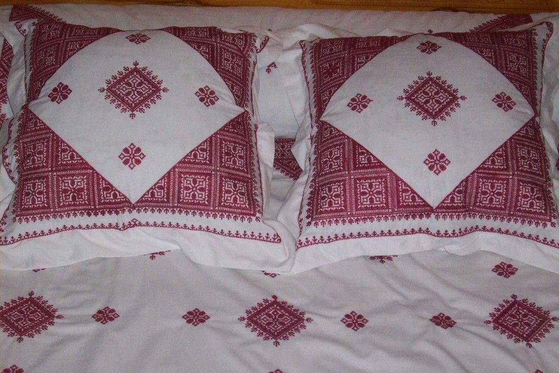 drap bordeaux tarz el fassi f s broderie et broderie marocaine. Black Bedroom Furniture Sets. Home Design Ideas
