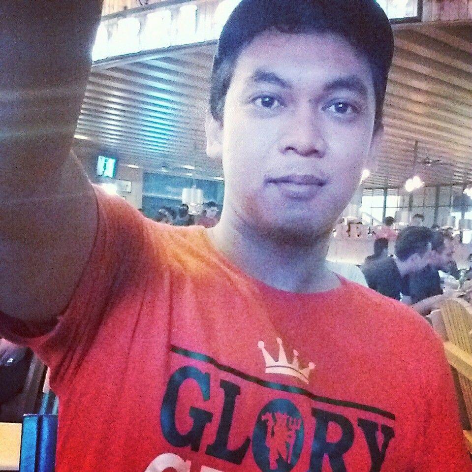 Glory-Glory Manchester United bergemuruh di La Piaza, Kelapa Gading, Jakarta