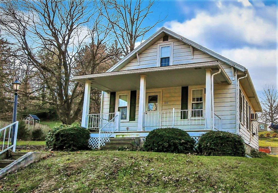 Status Sold Address 131 Schoffers Road Reading Pa 19606 Community Pathfinder Woods City Boro Or Twp Exeter Estate Homes House Styles Home And Family