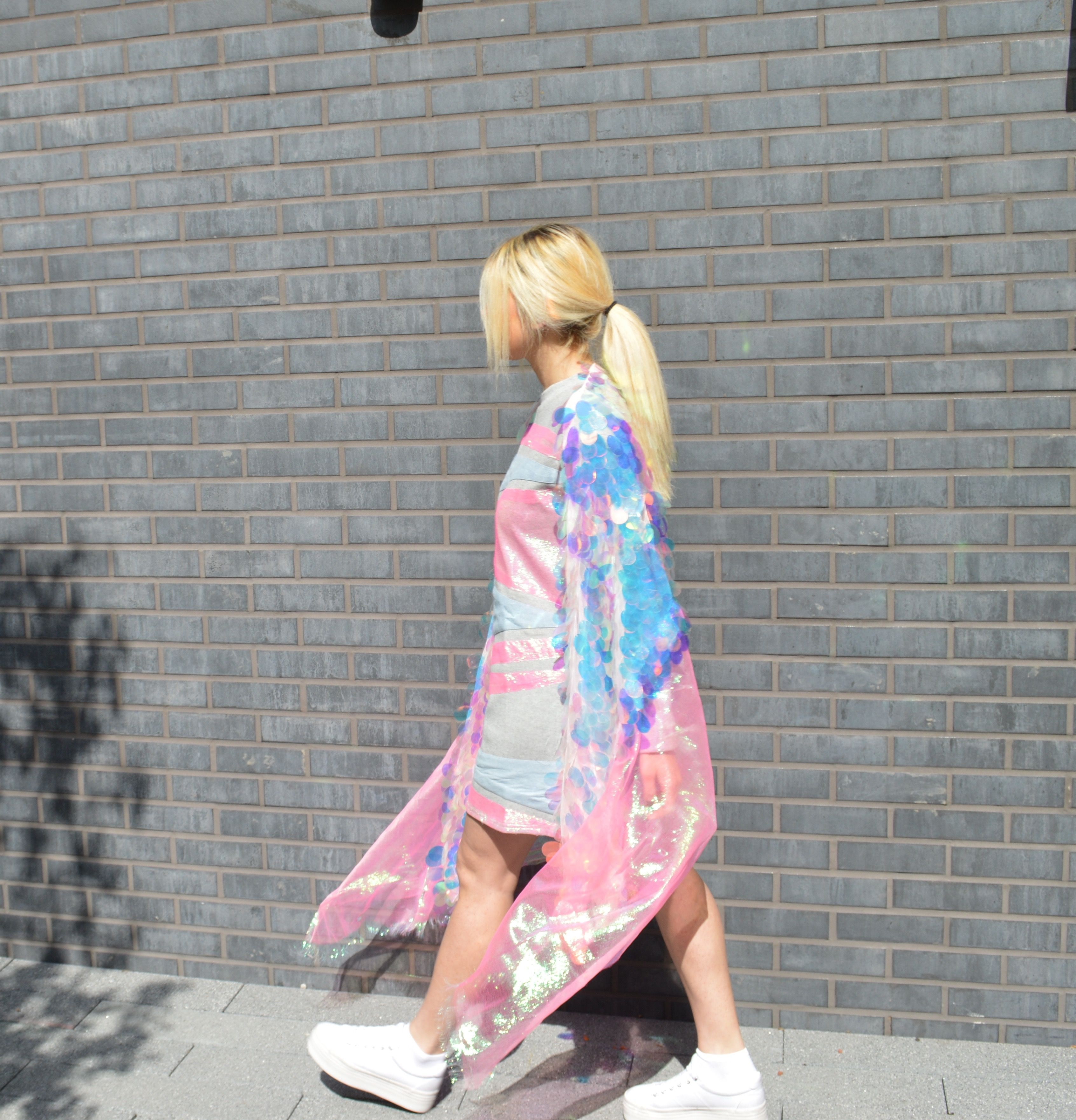 @camillasantin, camilla santin design, fashion design, Uel, sequins, holograms