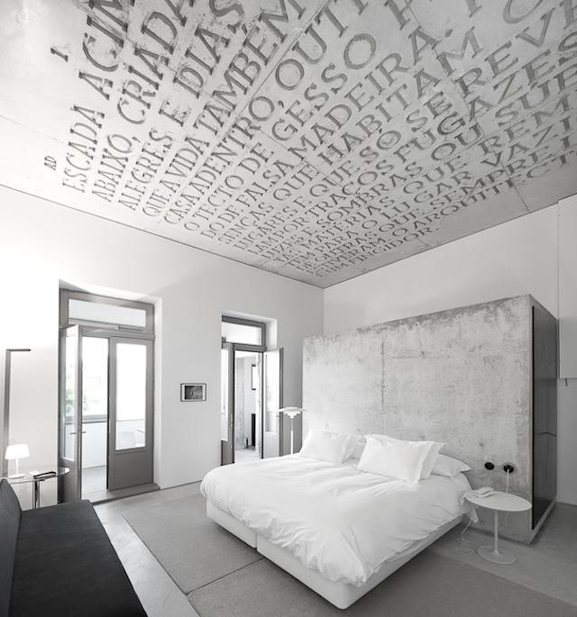 In the Alvaro Domingues guest room, the story on the ceiling is a distinct part of the decor.