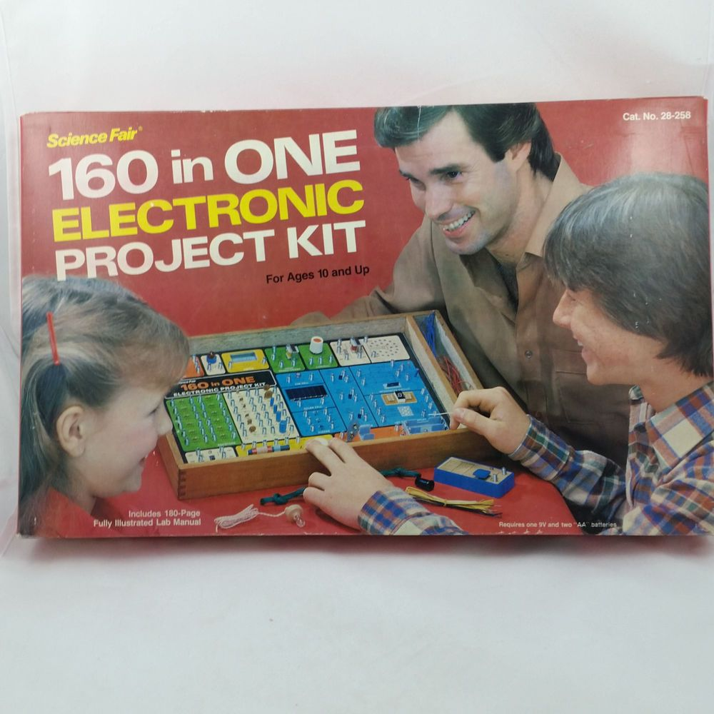 Vintage Science Fair 160 in One Electronic Project Kit w/ Manual & Wooden  Case #RadioShack