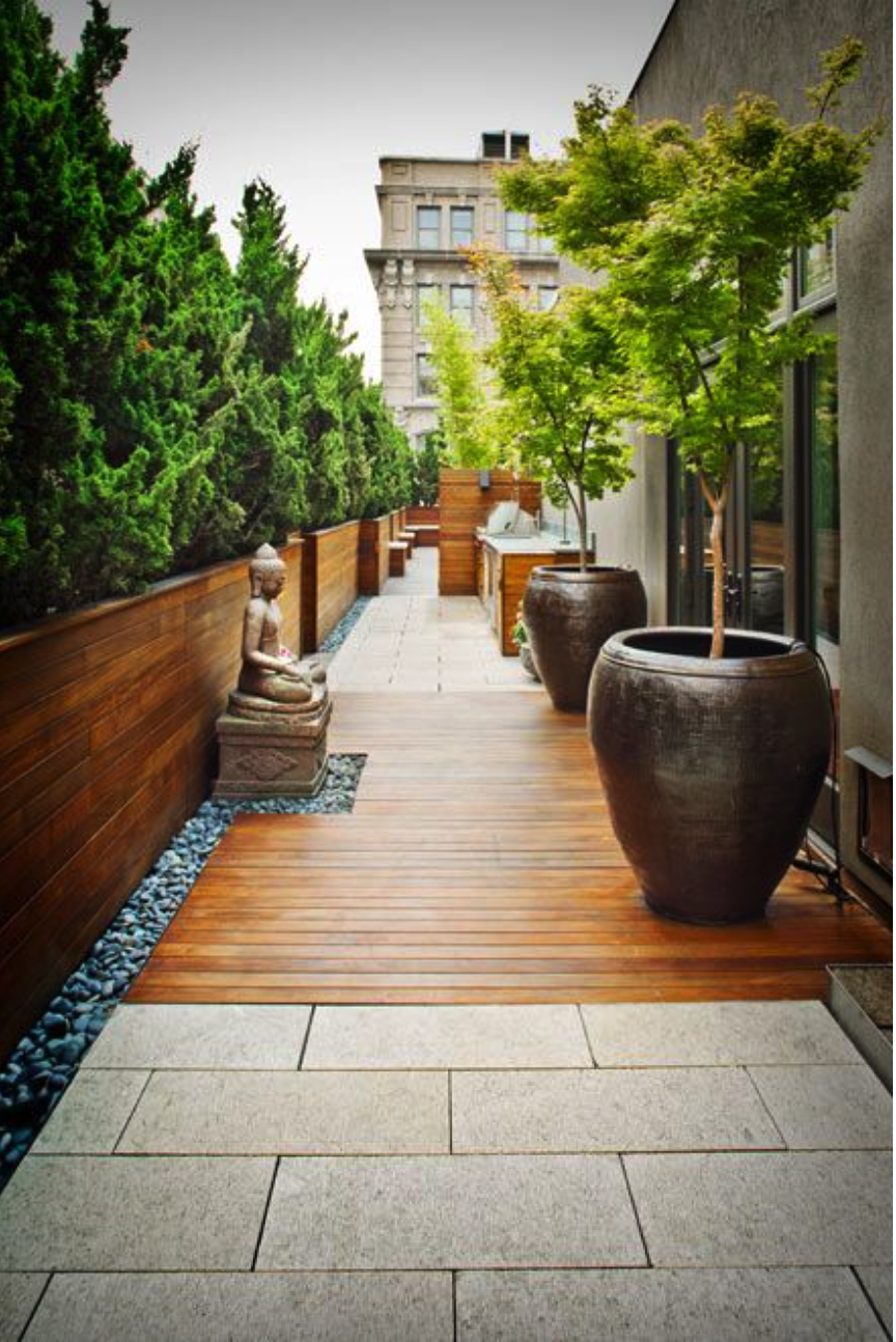 We are inspired by this tranquil decor for a terrace garden. #rooftopterrace