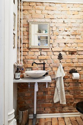 25 Chic Bathrooms With Brick Walls Brick Bathroom Rustic Bathrooms Bathroom Design