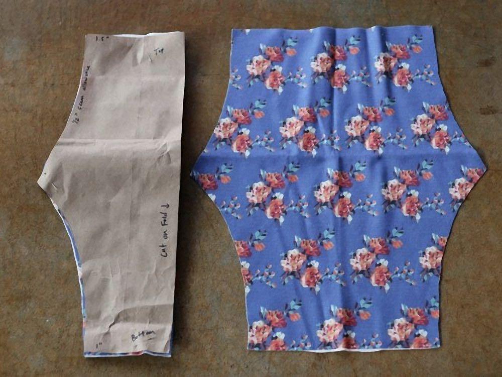 Tutoriales DIY: Cómo hacer pantalones de bebé con tu tela favorita vía DaWanda.com