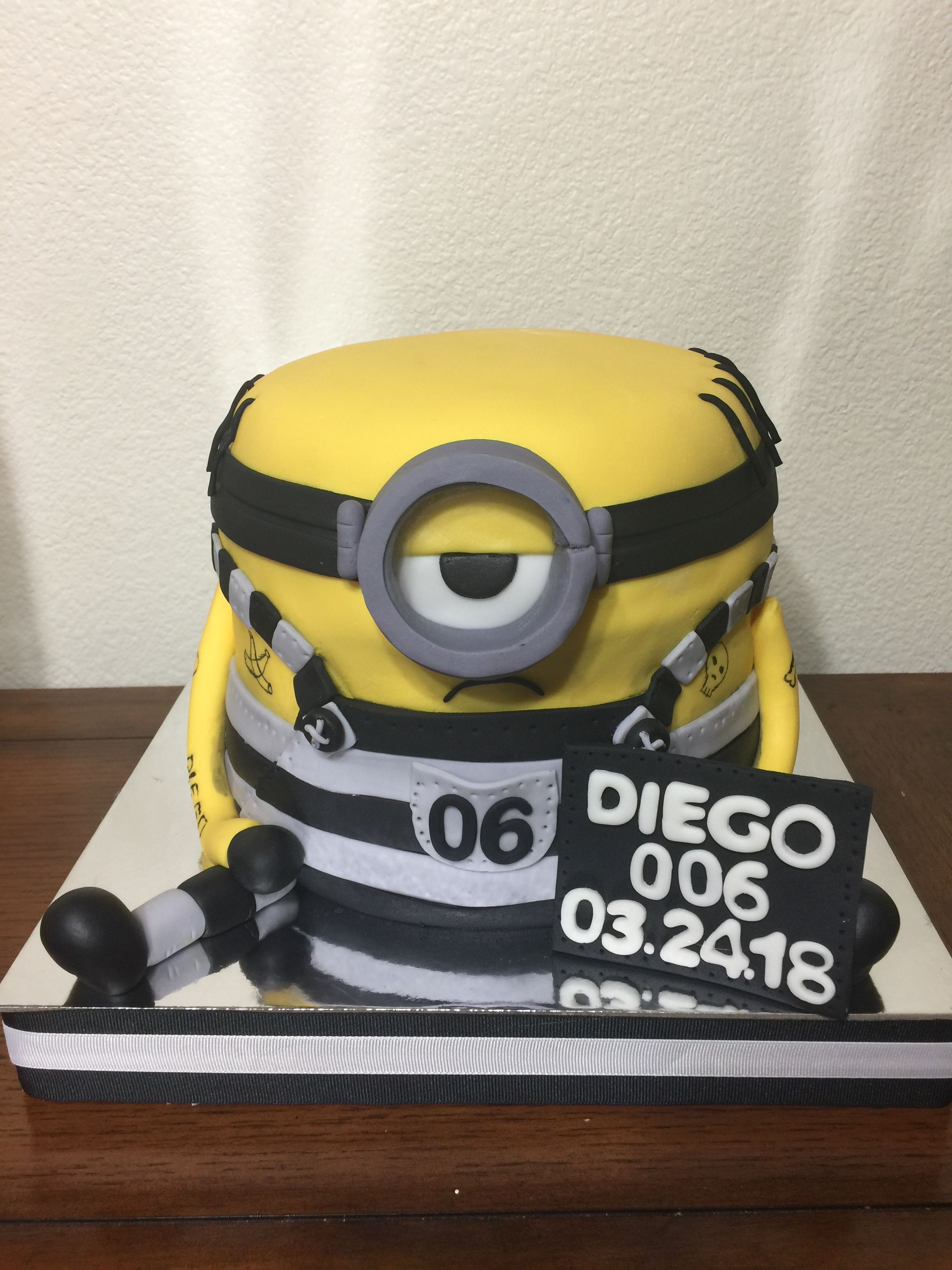 Jail Minion Birthday Cake Despicable Me 3 Movie Minion