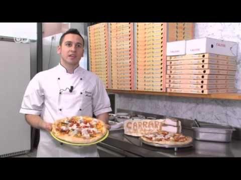 سر عمل عجينة البيتزا المثالية لعمل أفضل انواع البيتزا عجينة بيتزا هت Youtube Pizza Chef Food