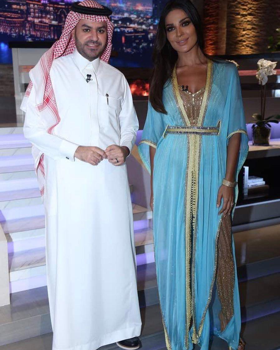 127 1 Mil Me Gusta 4 009 Comentarios نادين نسيب نجيم Nnn Nadine Nassib Njeim En Instagram شكرا كتير كتير للمتابع Couture Dresses Caftan Outfits
