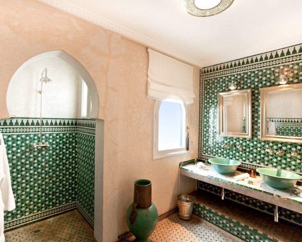 Atemberaubende Riads In Tanger Avec Images Maison D Hotes Idee Salle De Bain Salle De Bains Orientale