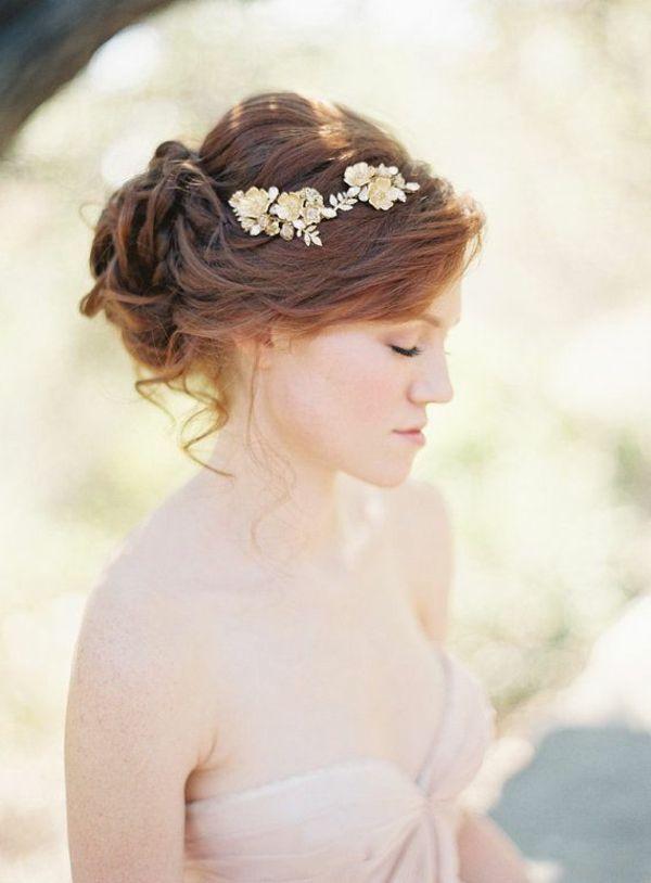 bijou de cheveux, couronne de fleur, jeune mariée