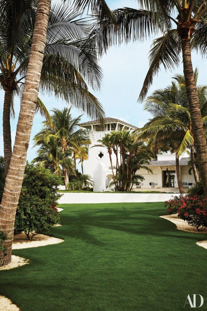 Marvelous Faith Hill Tim Mcgraws Bahamas Beach House Dominican Home Interior And Landscaping Ferensignezvosmurscom