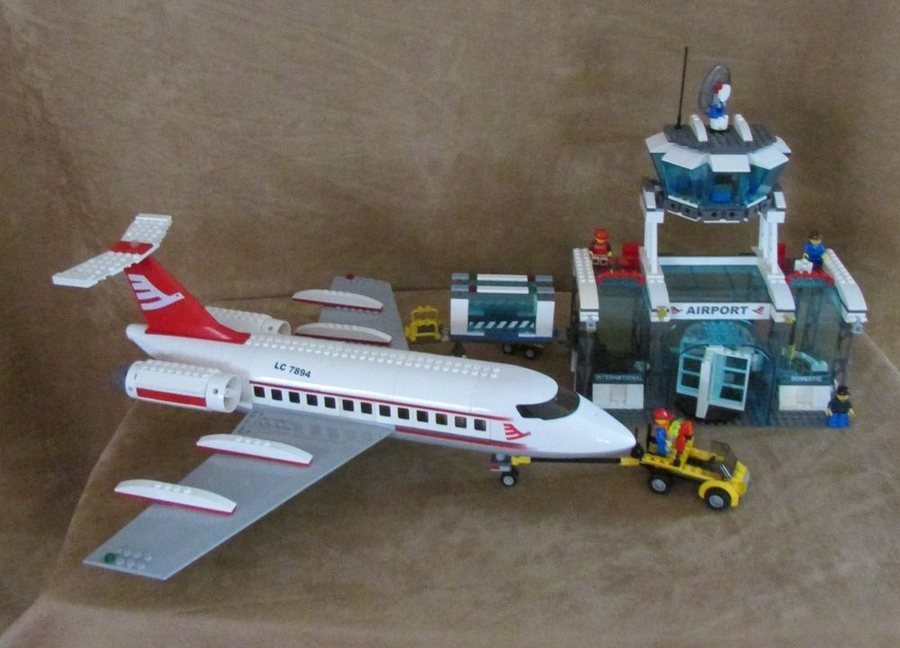 Jet Privato Lego City : Lego city airport complete red airplane jetport jet