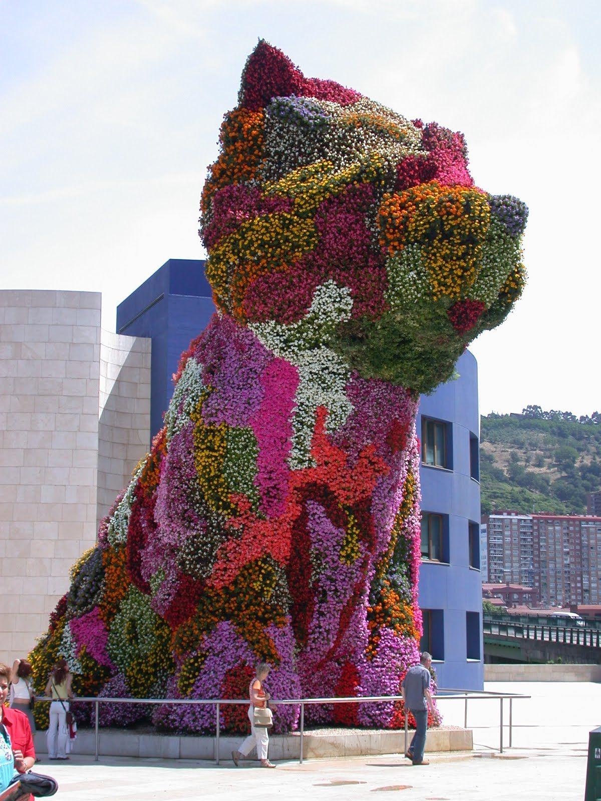 35 Tall Planted Sculpture By Jeff Koons Jeff Koons Jeff Koons Art Public Art