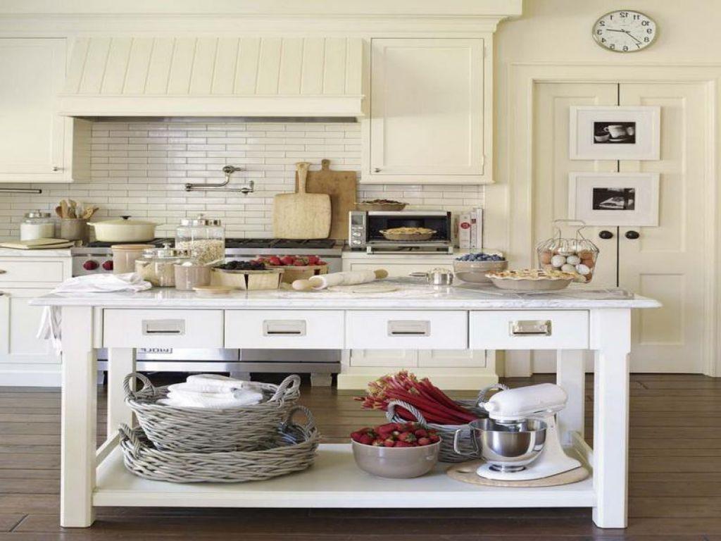 Retro Wyspa Kuchenna Pomysly Na Kuchnie W Duchu Vintage Learning From Hollywood Kitchen Home Decor Decor