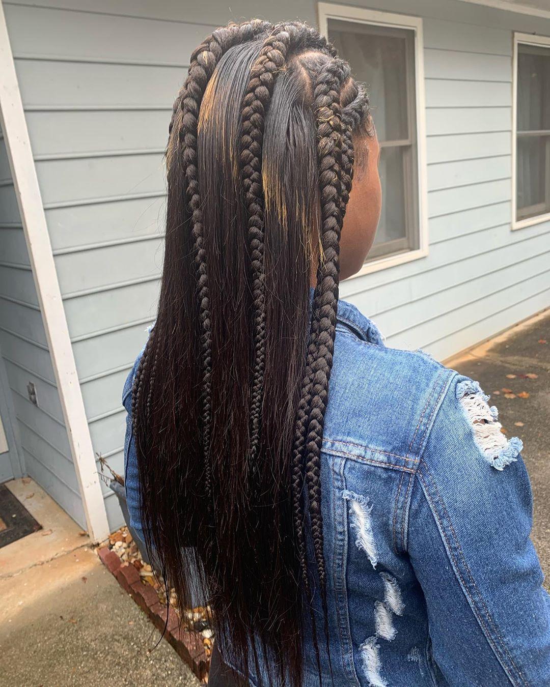 Half Up, Half Down Feed in Braids #BlackwomensHairstylesBraids