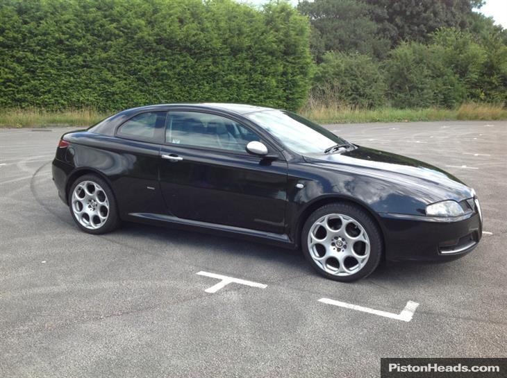 Alfa Romeo Gt Coupe Jtdm 16v Blackline S1020598