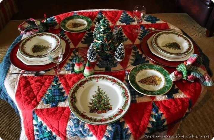 57 Classy Christmas Table Decorations and Settings That Look - christmas table decorations