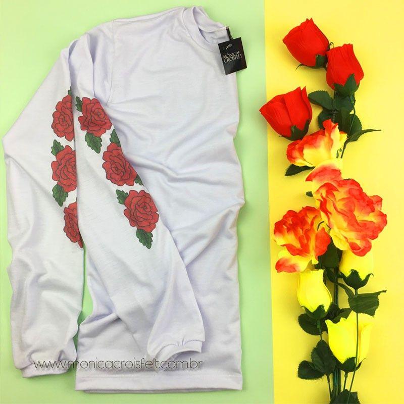 Camiseta Manga Longa Estampa de Rosas nas Mangas  tumblr  style  estilo 98aa511779c