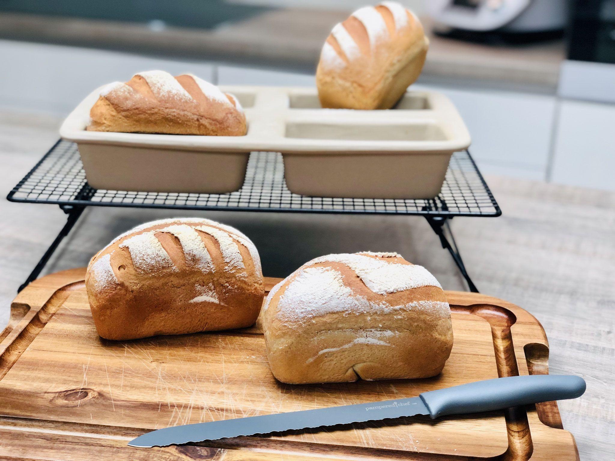 4 Kleine Buttermilchbrote Aus Der Mini Kastenform Ehem 4er Zauberkastche Von Pampered Chef Brot Selber Backen Rezept Buttermilchbrot Milchbrotchen