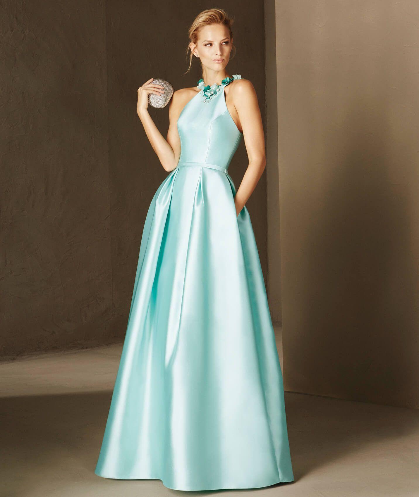 a223b7a41a O modelo BEGUR é um vestido de festa em mikado