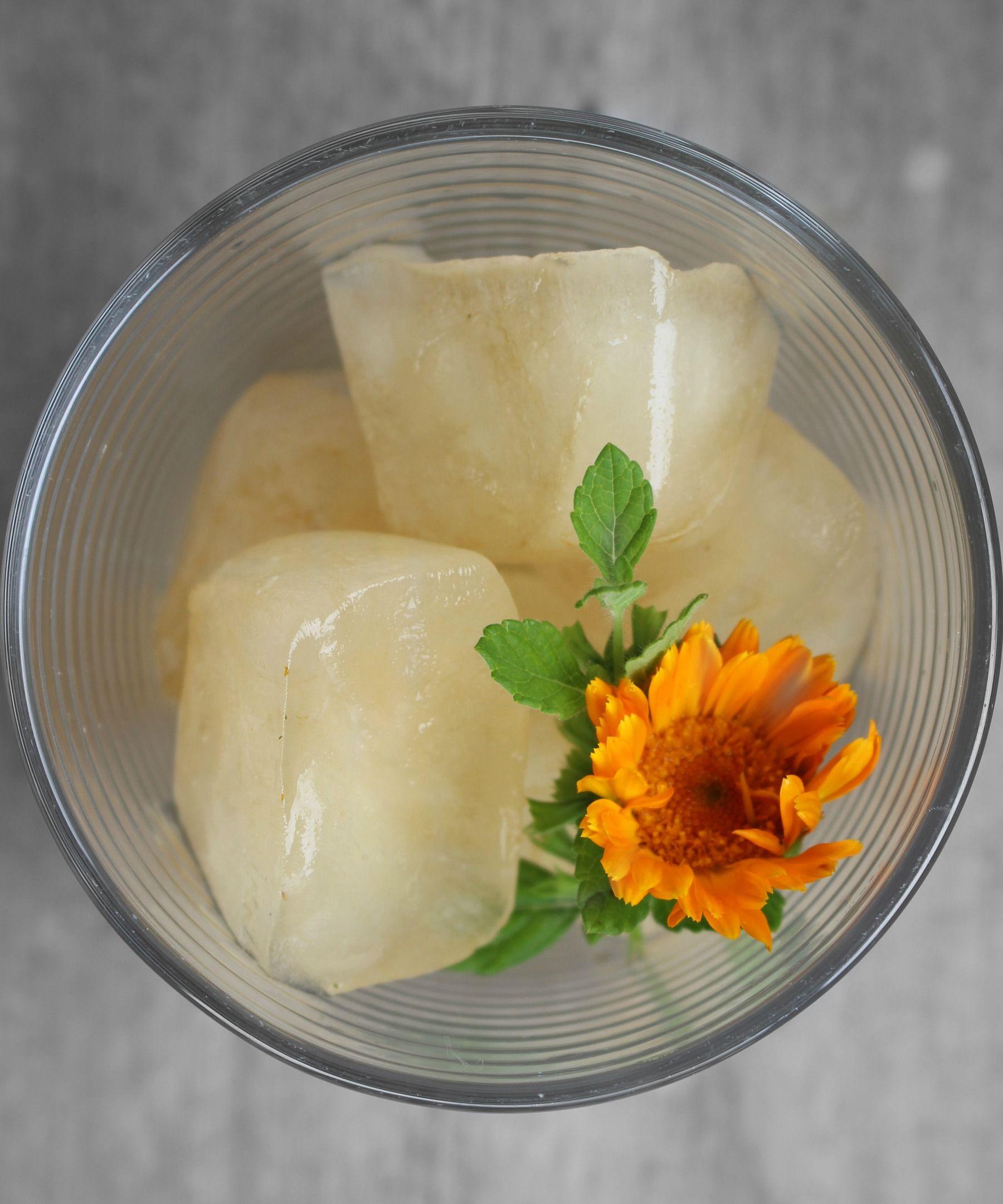 14 Uses for Calendula Tea Calendula tea, Edible flowers