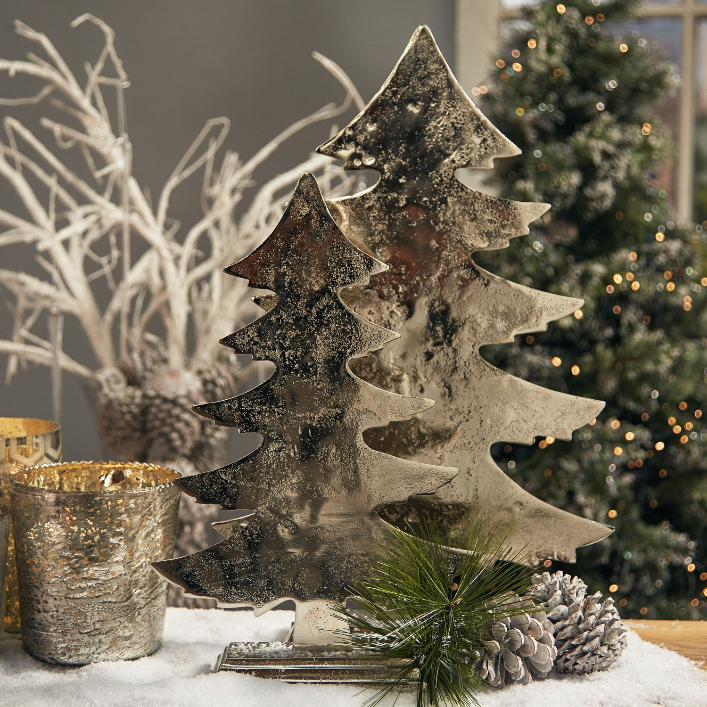 Xmas Tree Small | Meadows & Byrne | Large christmas tree ...