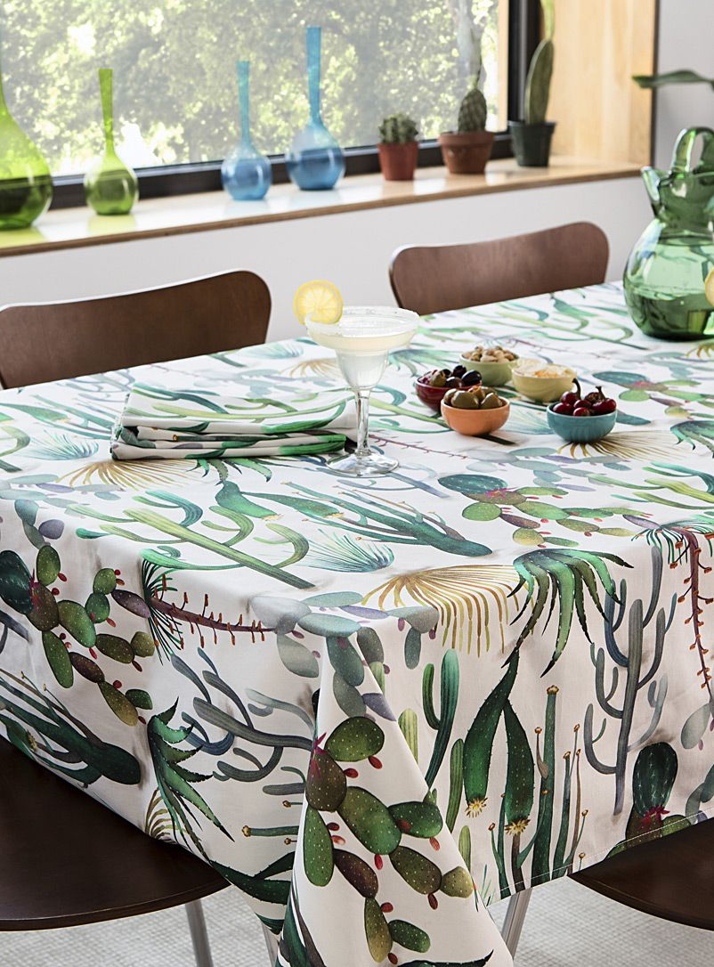A Tablecloth Imported From Spain That Whisks Us Away To The American Southwest Give Your Table A Bohome Touch With This Table Cloth Interior Black Tablecloth
