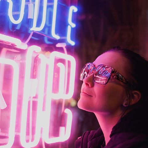 Neon  #spb #фотографпитер #фотосессия #фотосетспб #вечер #петербург #фотосъемка #неонспб #неон #neon #saintp #spbgram #color #инстаспб #инстапитер #instagood #evening #lovesaintp #парнас #невский #photospb #photoset #lovespb #piteronline #oчки #glasses #фотопрогулка #фотоспб #фотопрогулкаспб #photographer
