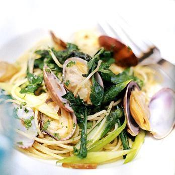 あさりとアスパラガスのパスタ | 山田直喜さんのパスタの料理レシピ | プロの簡単料理レシピはレタスクラブニュース