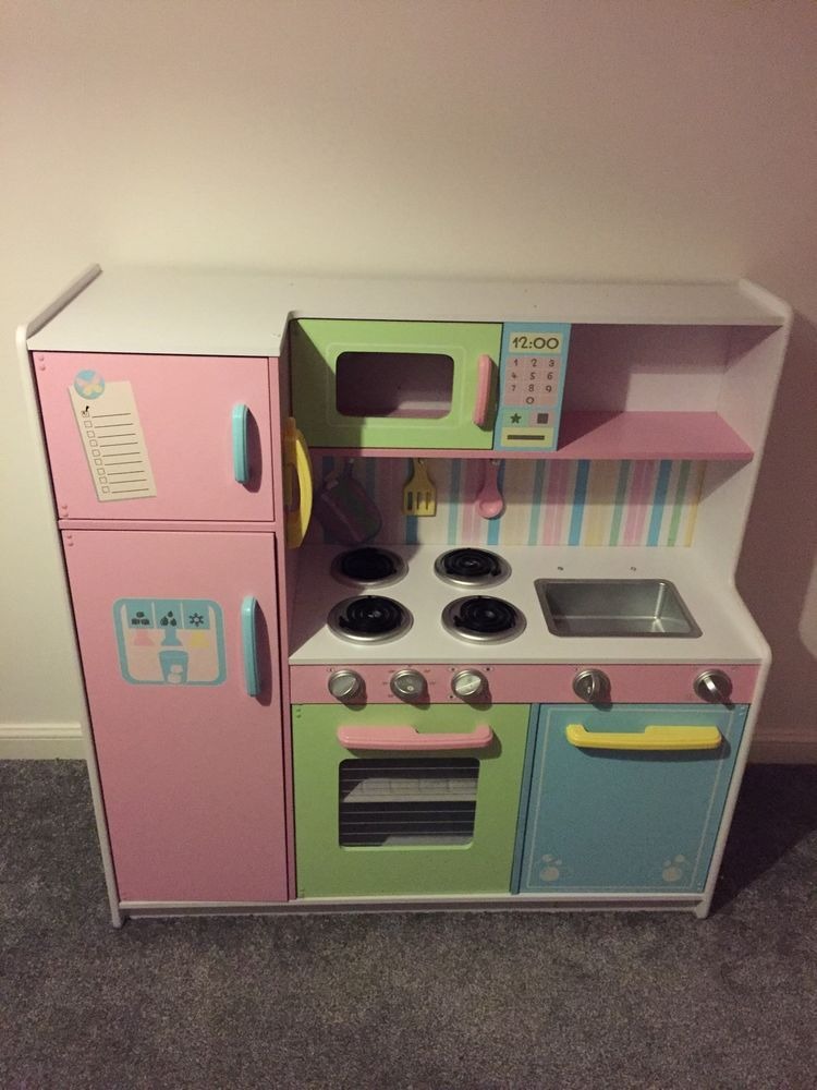 Barely Used Kidkraft Large Wooden Toy Play Kitchen In Toys Pre School