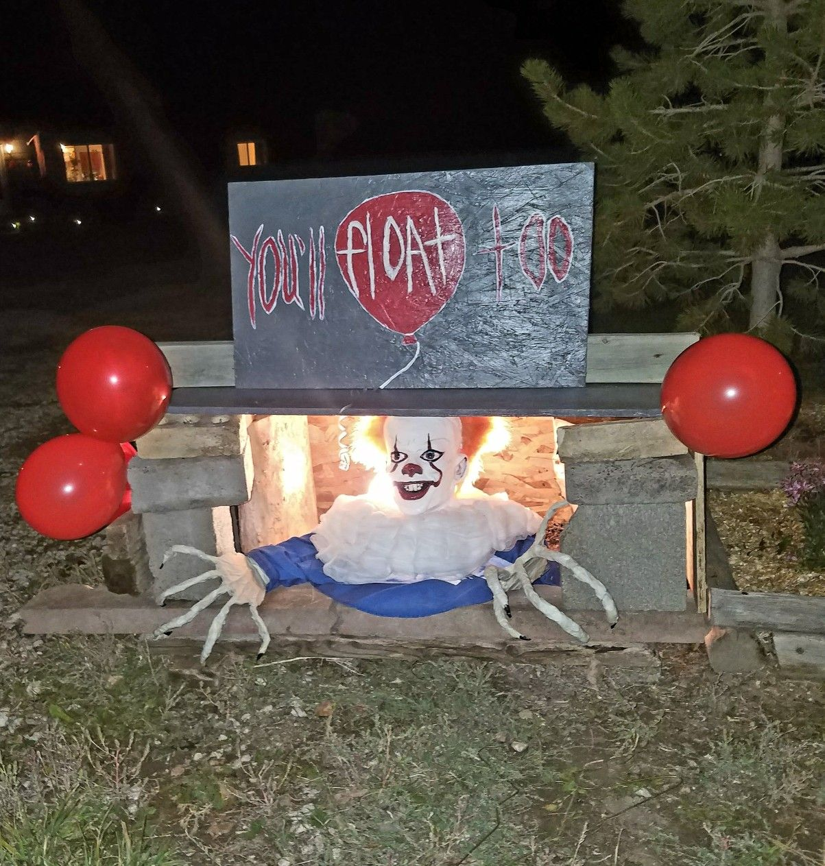 Homemade Halloween decoration Outdoor Stephen King's