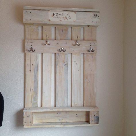 Patiné Palette En Porte L'entrée Blanc Très Dans Joli Manteau PqwxCtS