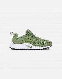 6cea4f1fb0c603 Nike Women s Air Presto (Palm Green Legion Green-White)