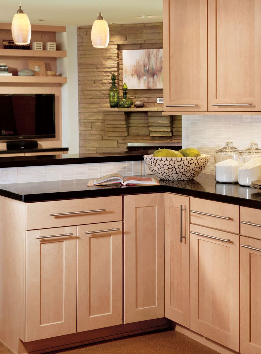 Waypoint Living Spaces Maple Kitchen Cabinets Natural Kitchen Cabinets Kitchen Cabinet Styles