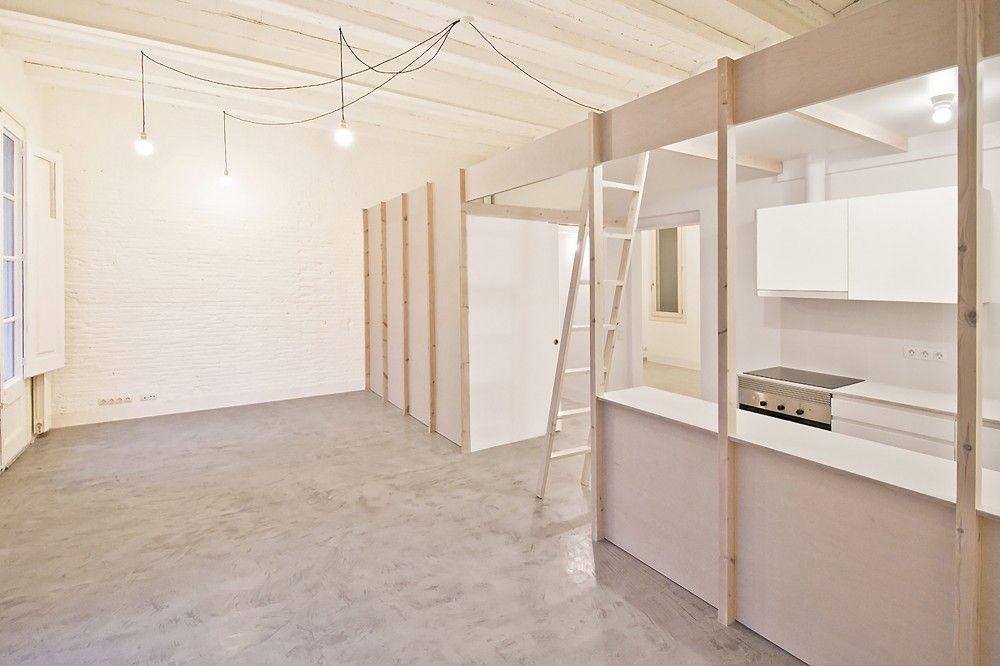 2 Dwellings at Tamarit ST  / Carles Enrich