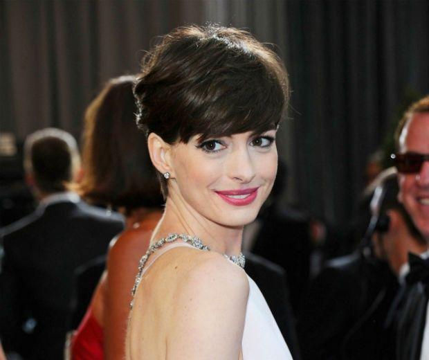 Anne Hathaway's Short Hairstyles