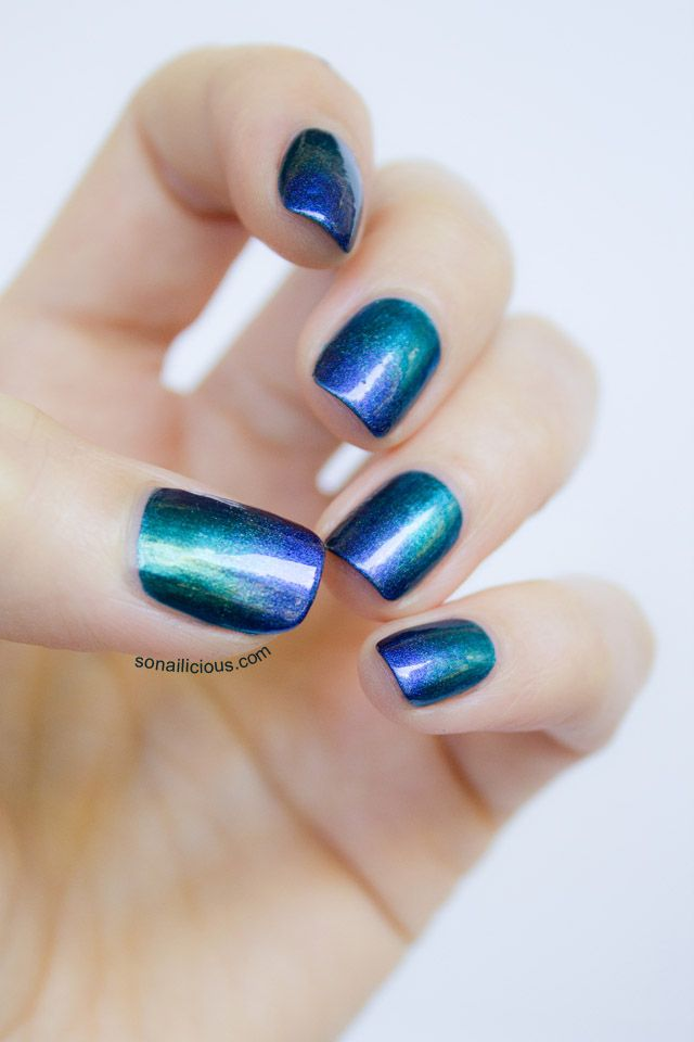 Sally Hansen Lustre Shine Scarab and Azure ombre nails