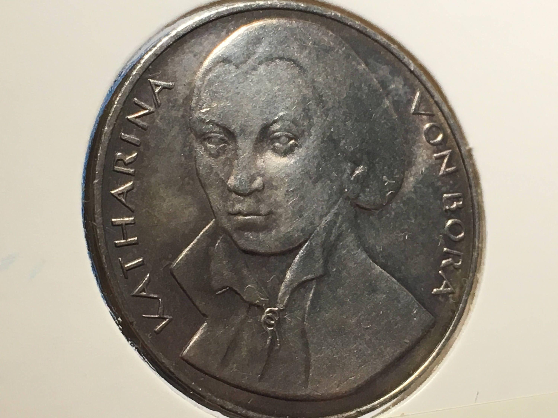 1 X Katharina Von Bora Medal