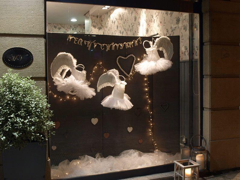 Nuestro escaparate de navidad se ha llenado de tut s y - Ideas escaparate navidad ...