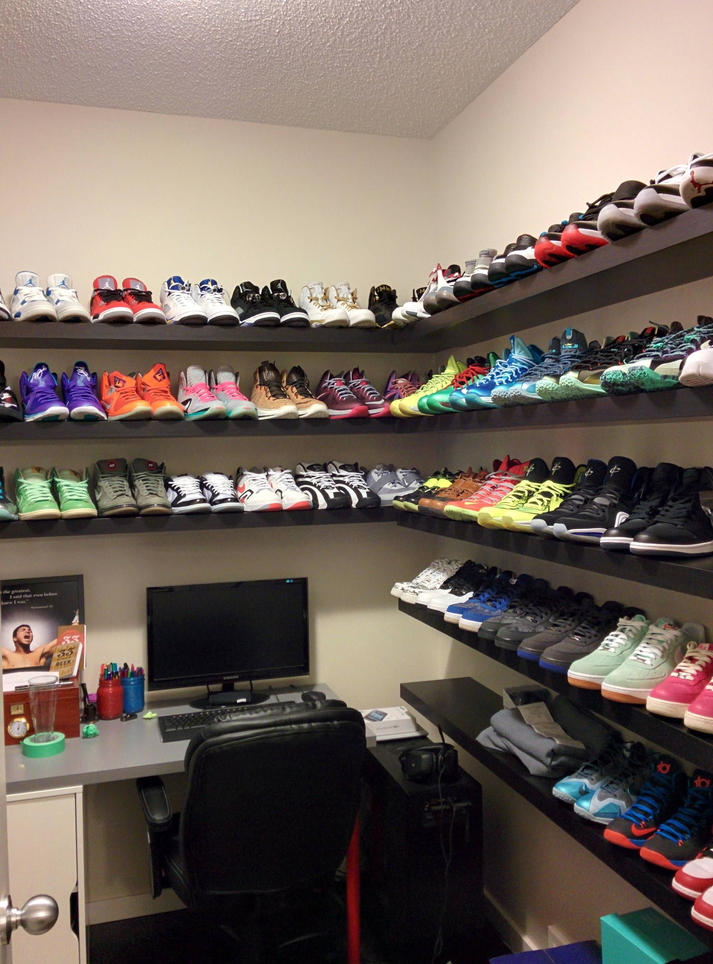 Jordan Shoe Room Google Search Shoe Room Sneakerhead Room
