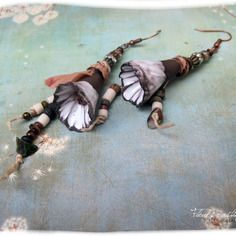 Réservées*********n***********.. fleurs rustiques... boucles d'oreilles poétiques et rustiques en céramique, perles picasso...