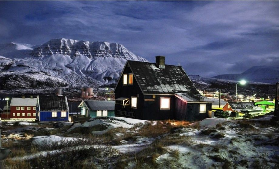 Beautiful Greenland - Moonlight / Måneskin. Photo / Foto : Saalamiit Møller Lorentzen