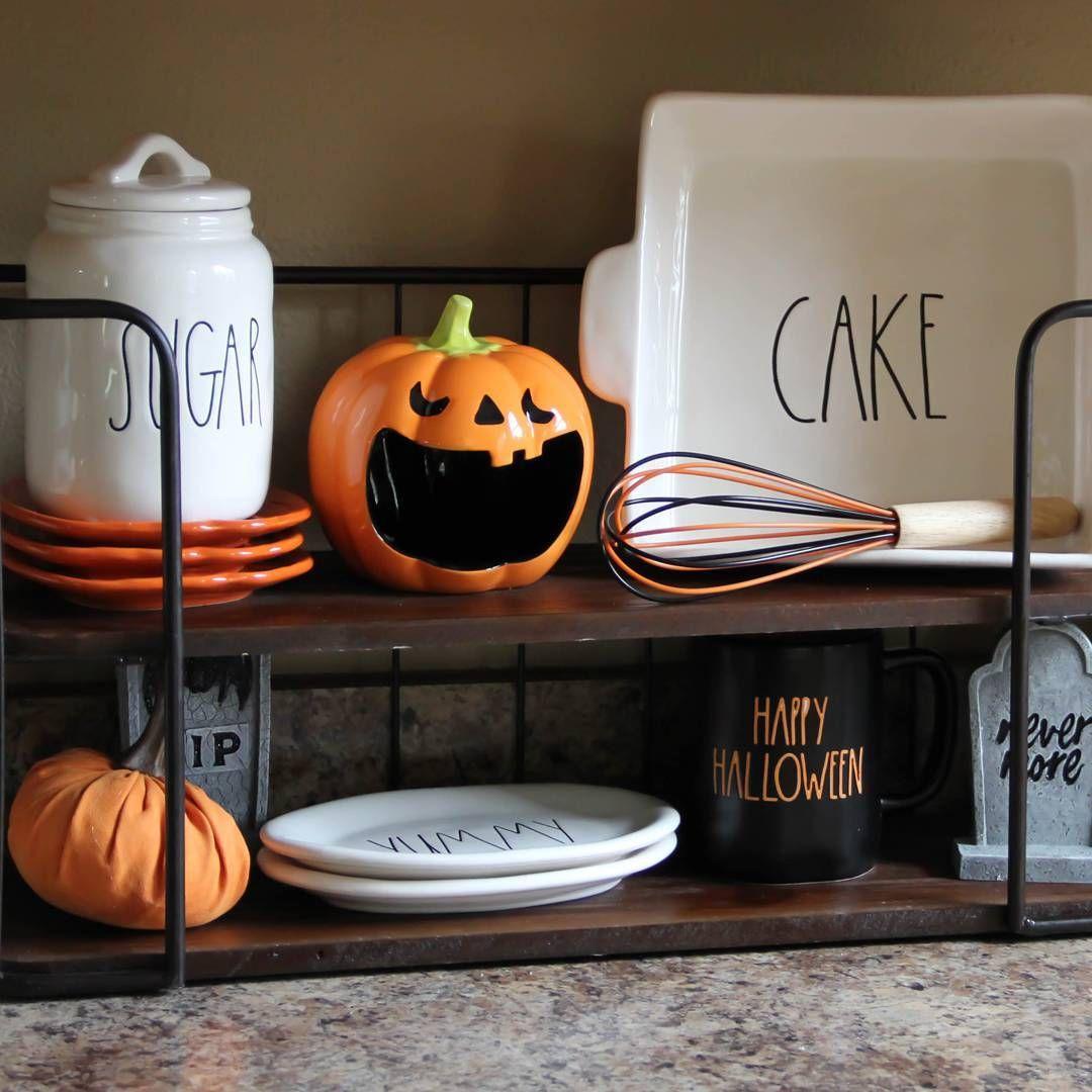 thefernwayfarmhouse Rae Dunn Halloween display on the