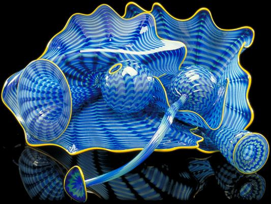 """DALE CHIHULY:  LAPIS PERSIAN SET WITH   JONQUIL LIP WRAPS, 2000  8 X 18 X 19"""""""