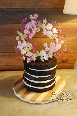 love  Naked Wedding Cakes!!