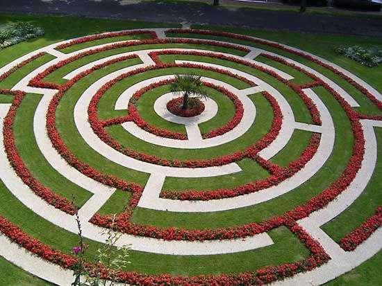 Labyrinth Architecture In 2020 Labyrinth Design Labyrinth Labyrinth Garden