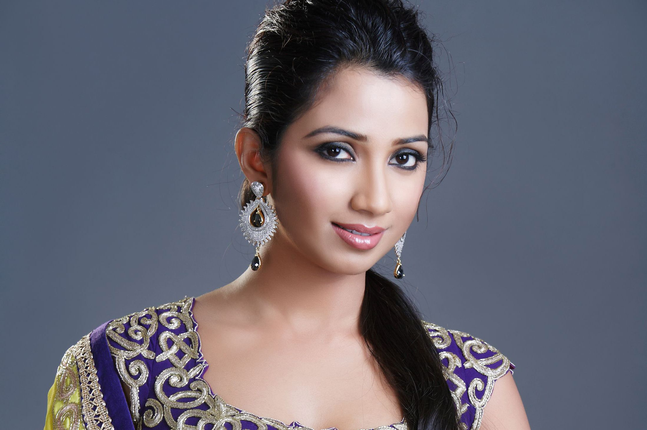 25 Beautiful Shreya Ghoshal Hd Wallpapers Free Download -4010