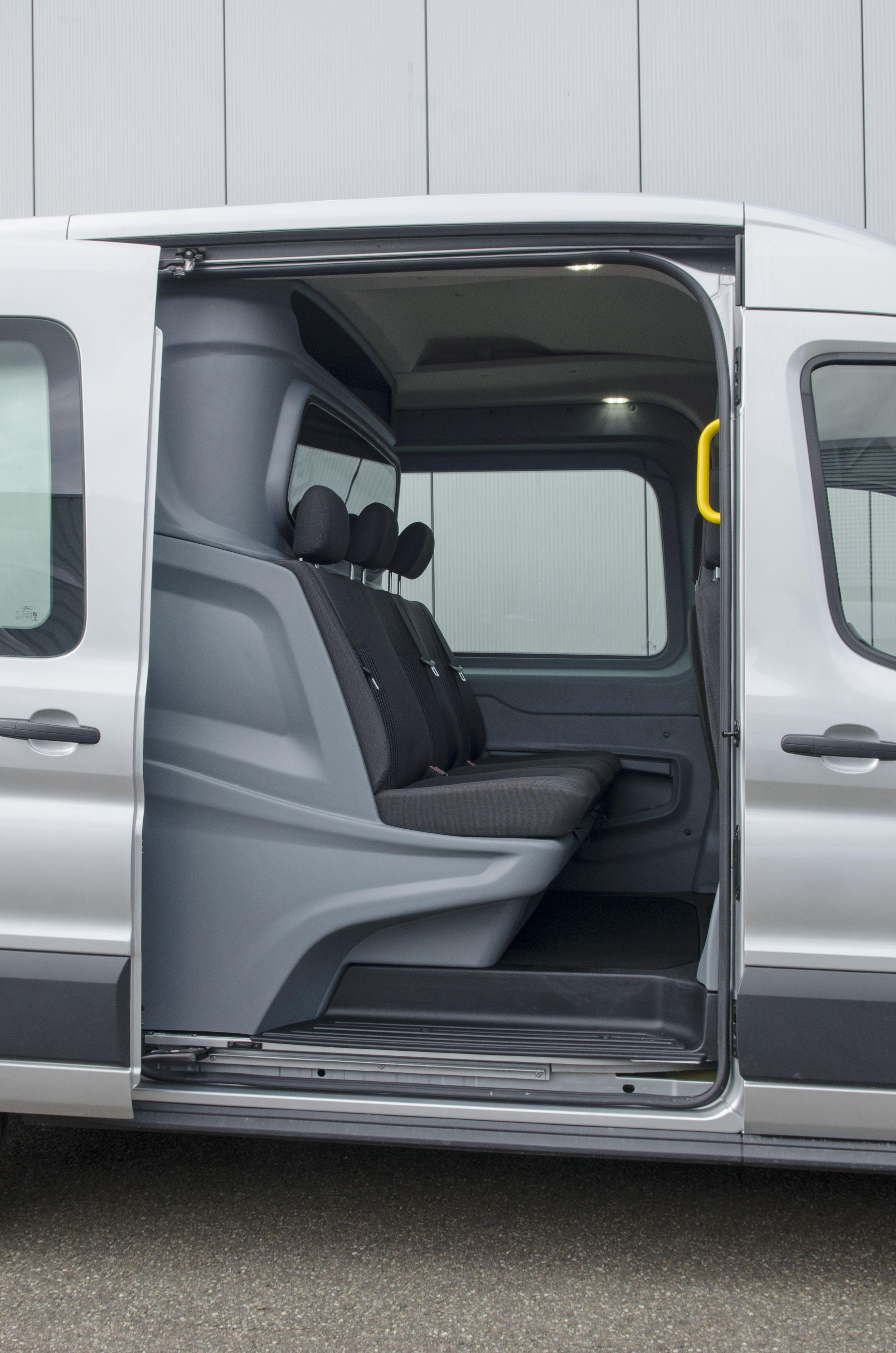 Side View Into The Vans Cab Area Ford Transit Luxury Double Cab Van Line Ni Ford Transit Luxury Double Cab Karavanlar