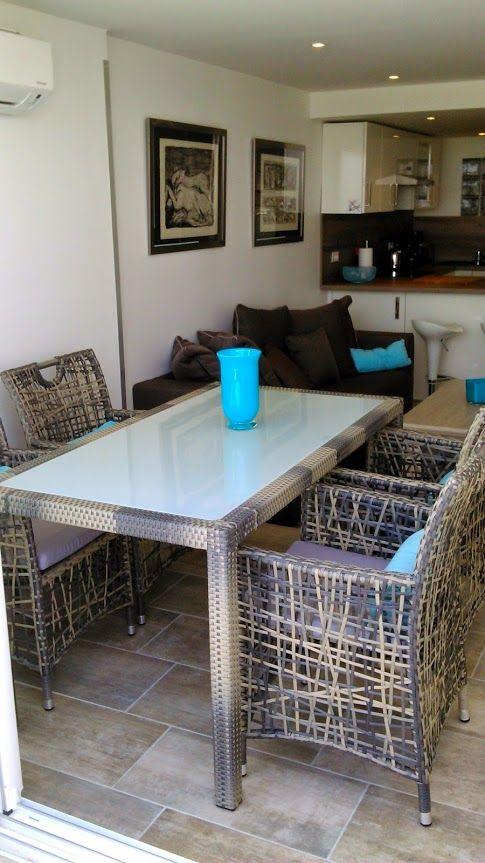 salle à manger-salon-cuisine aptvénus port ambonne LOCATIONS T2